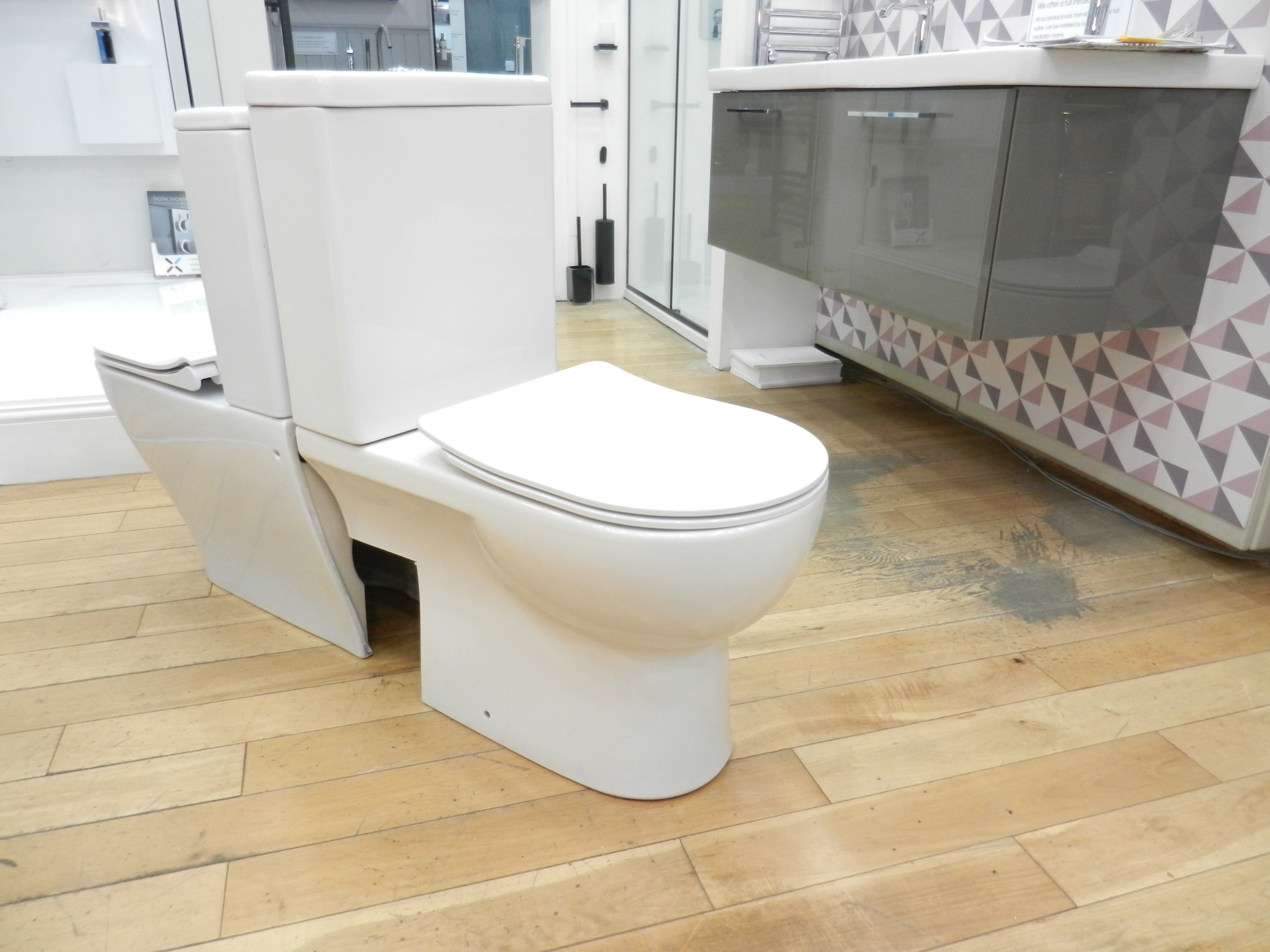 ex display sale bathrooms at source 2018