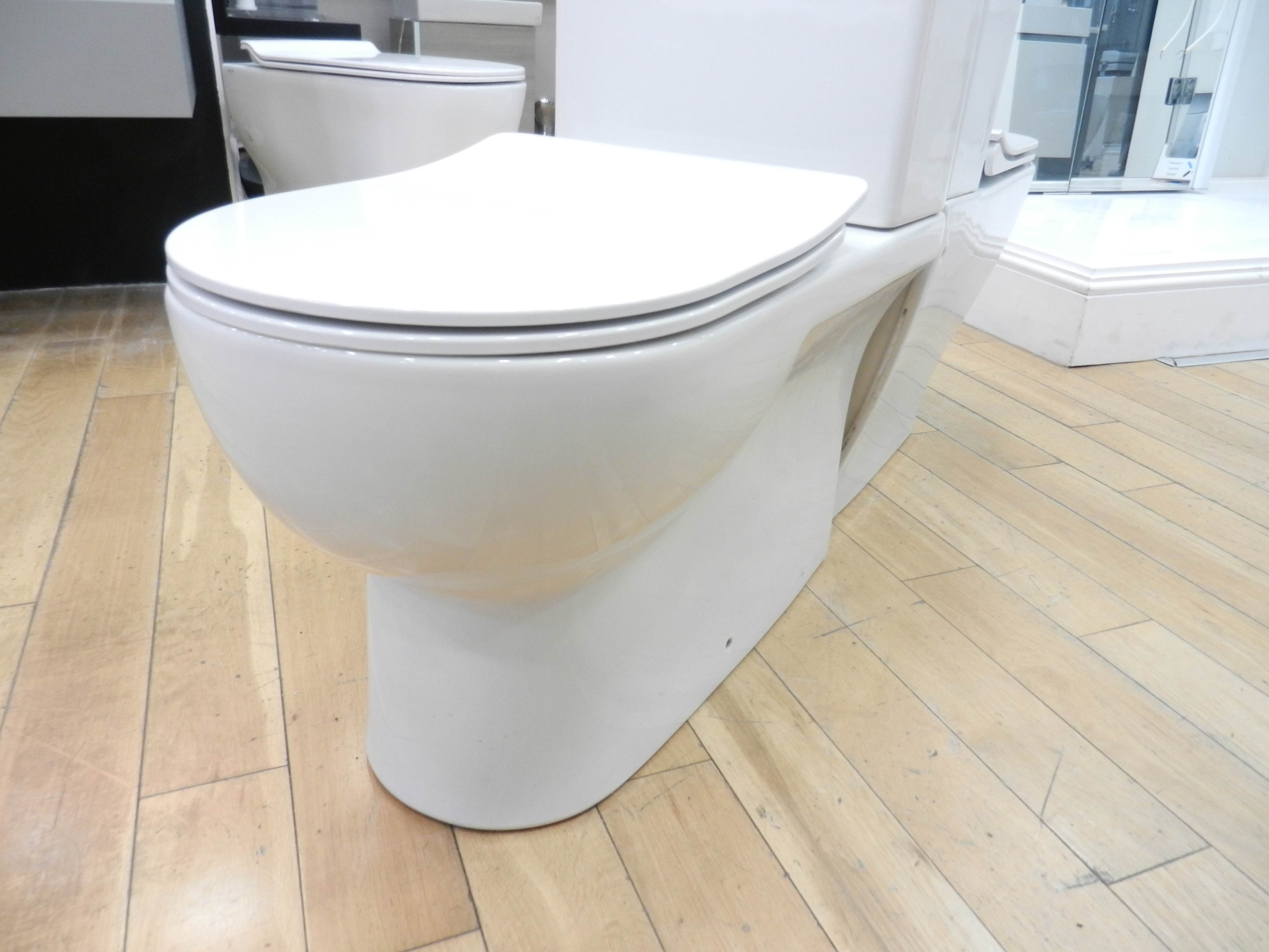 Ex Display Saneux Austen Close Coupled Left Hand Soil Exit Toilet -20887